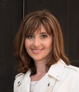 Victoria Lioznyansky Headshot